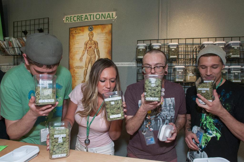 Coloradoban 2014 óta legálisan vásárolhatnak marihuánát (Fotó: Jeffrey Rotman / Biosphoto / Biosphoto via AFP)