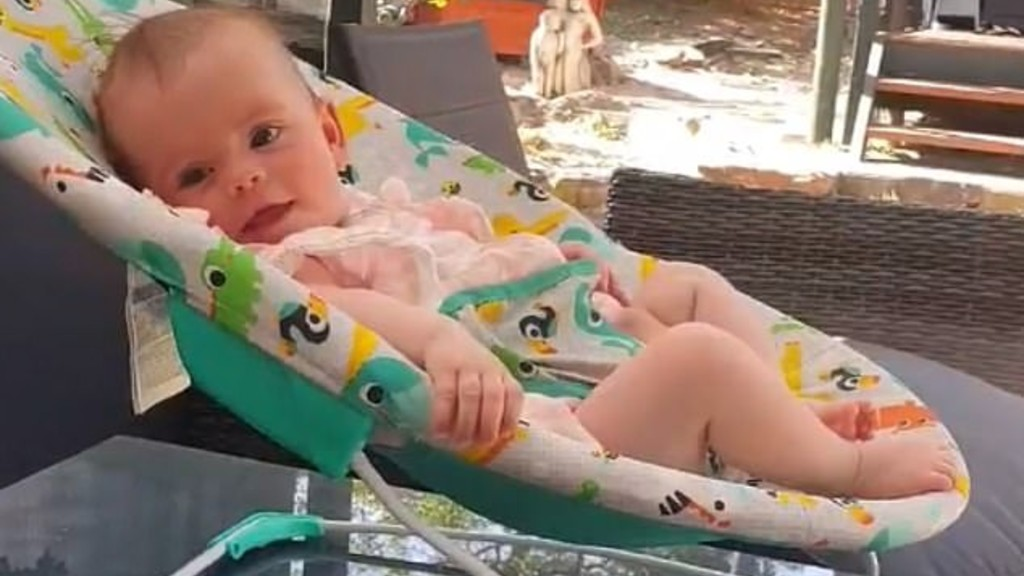 A kis Kobi az apja által készített videóban (fotó: Facebook)
