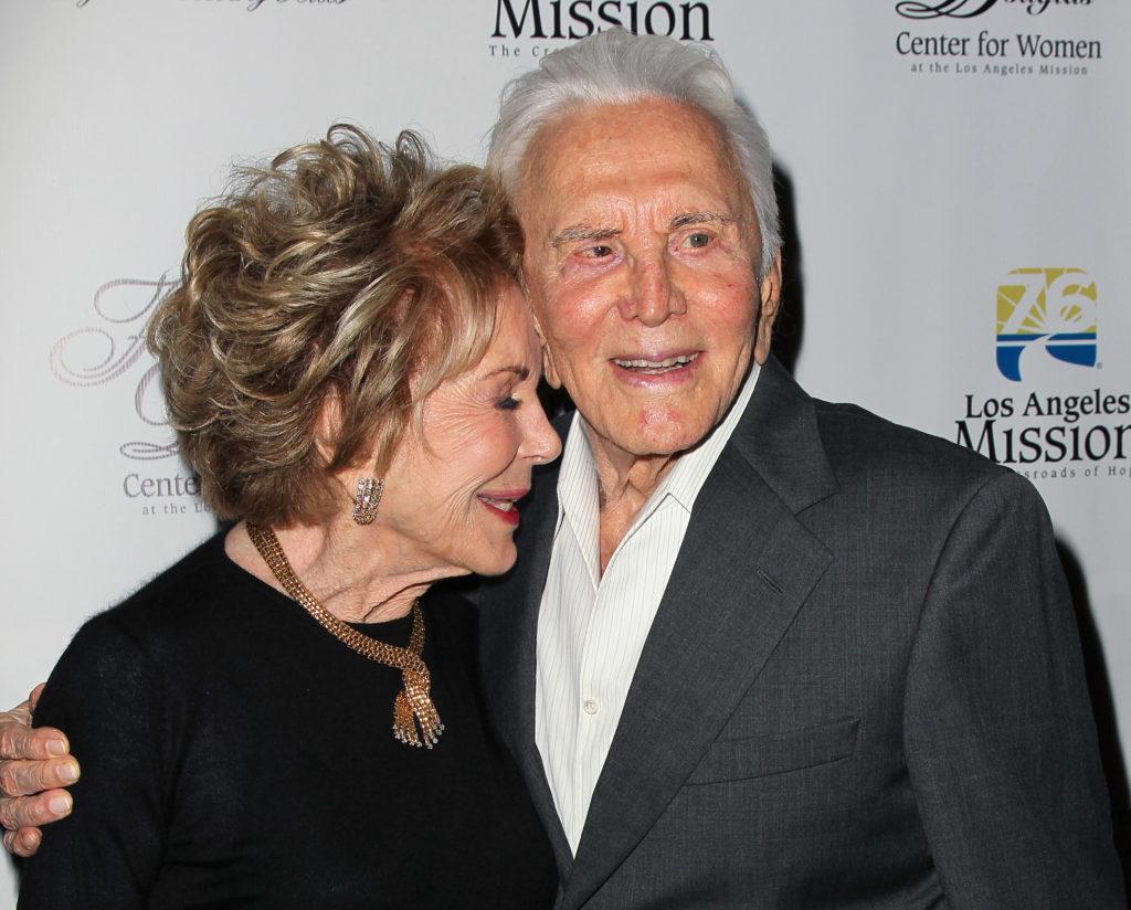 Kirk Douglas és Anne Douglas 66 évig voltak házasok, és a szerelmükről, összetartozásukról sokszor meséltek (Fotó: David Livingston/Getty Images)