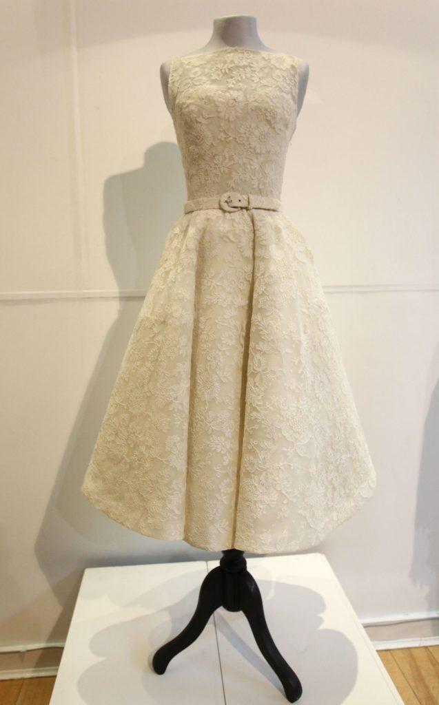 Az Audrey Hepburn által az 1954-es Oscar-gálán viselt csipkés ruha
