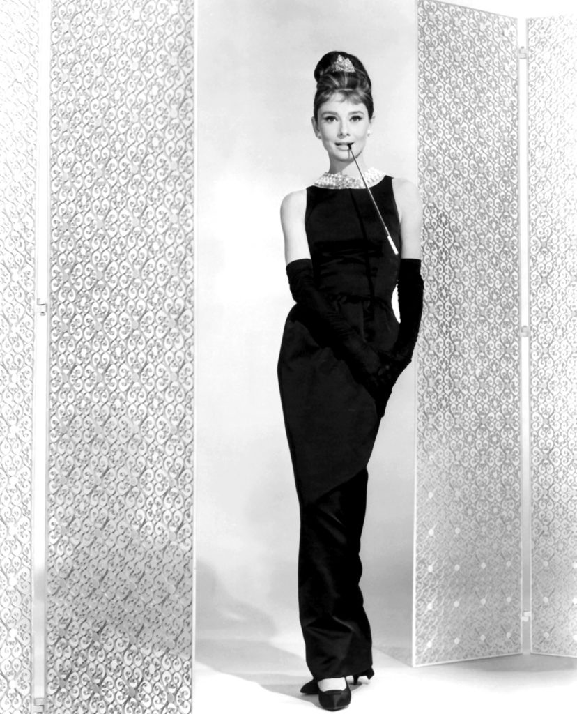 Audrey Hepburn az ikonikussá vált kis fekete ruhában