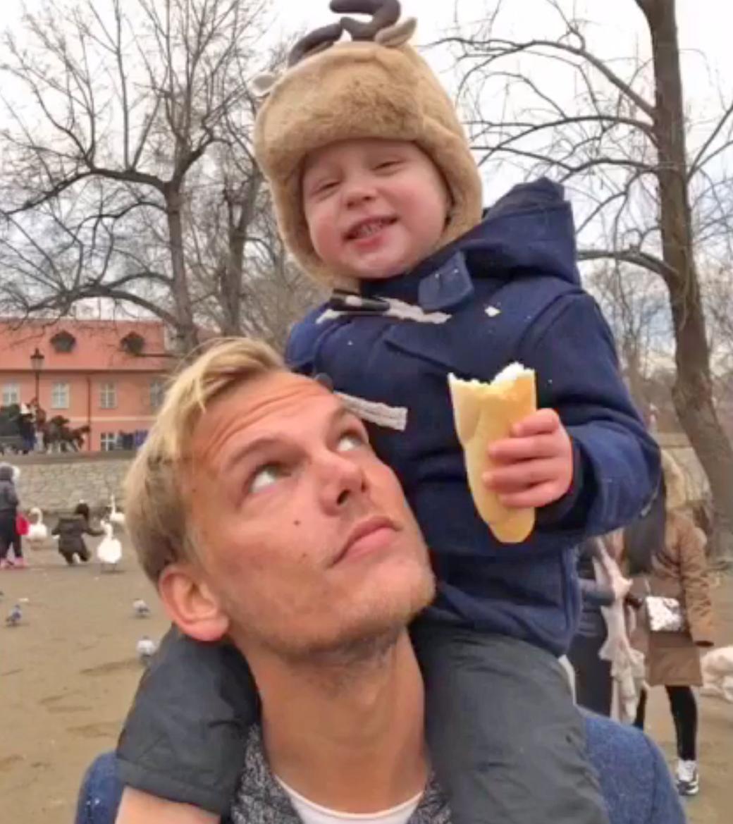 Avicii saját fiaként szerette Lukát