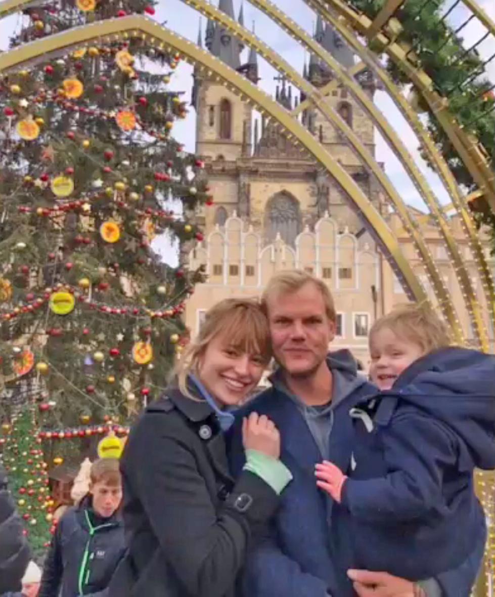 Tereza Avicii halála után osztotta meg egy megható videóban a családi képeket