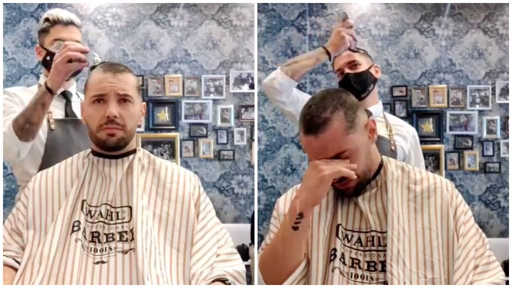 Könnyfakasztó szolidaritás: a saját haját is lenyírta a borbély, amikor a rákbeteg munkatársa haját vágta