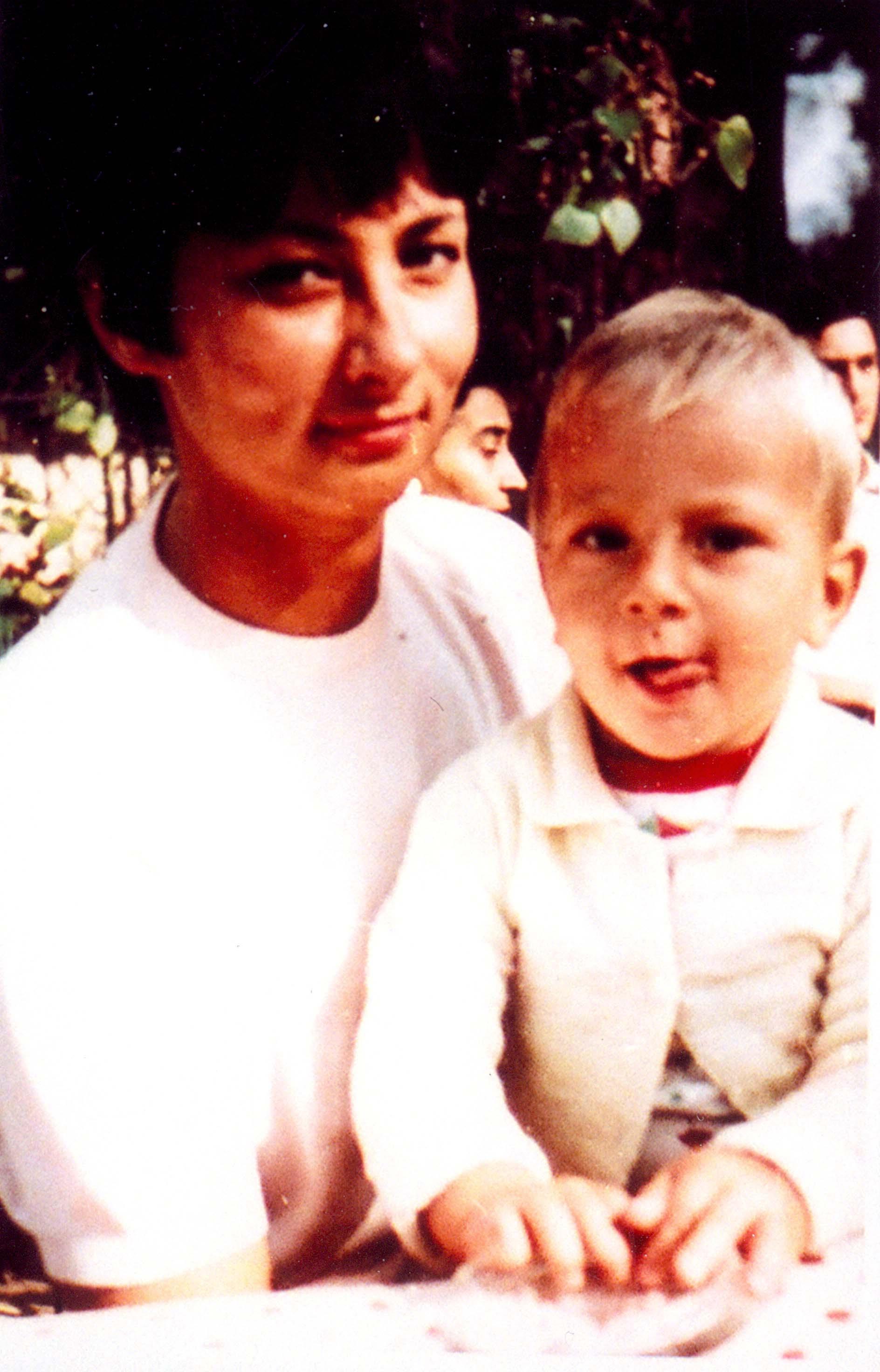 Csonka András és anyukája