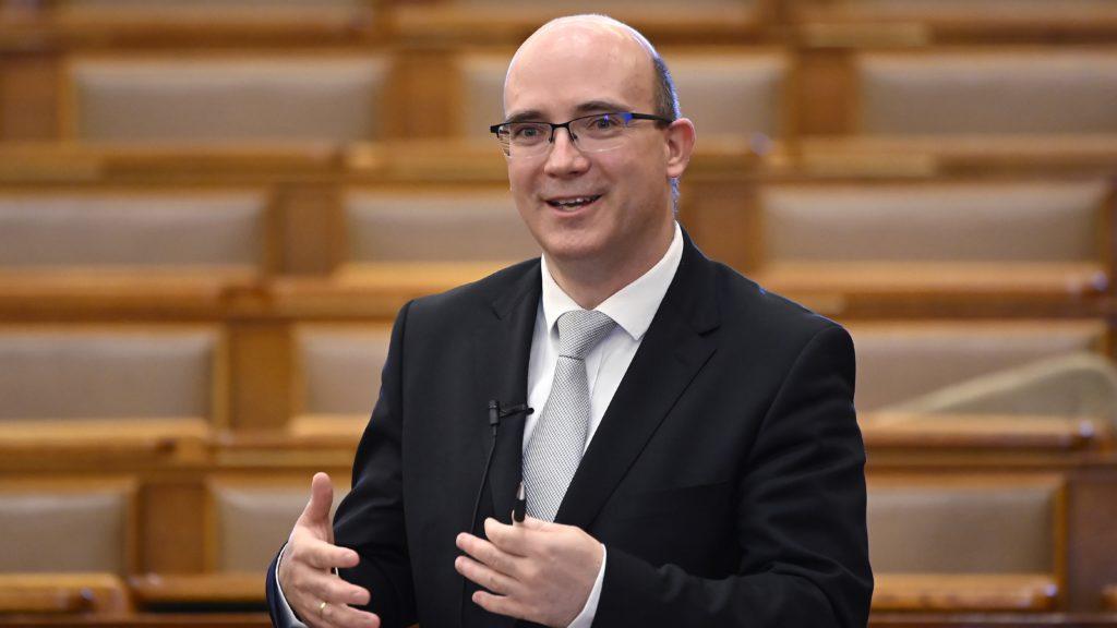 Maruzsa Zoltán köznevelési államtitkár