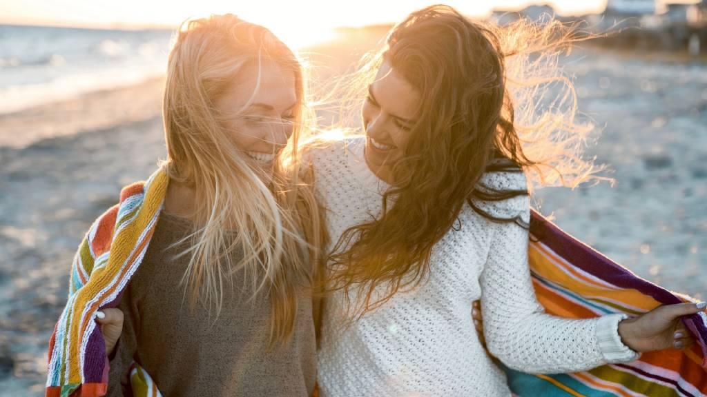 barátnők tengerparton