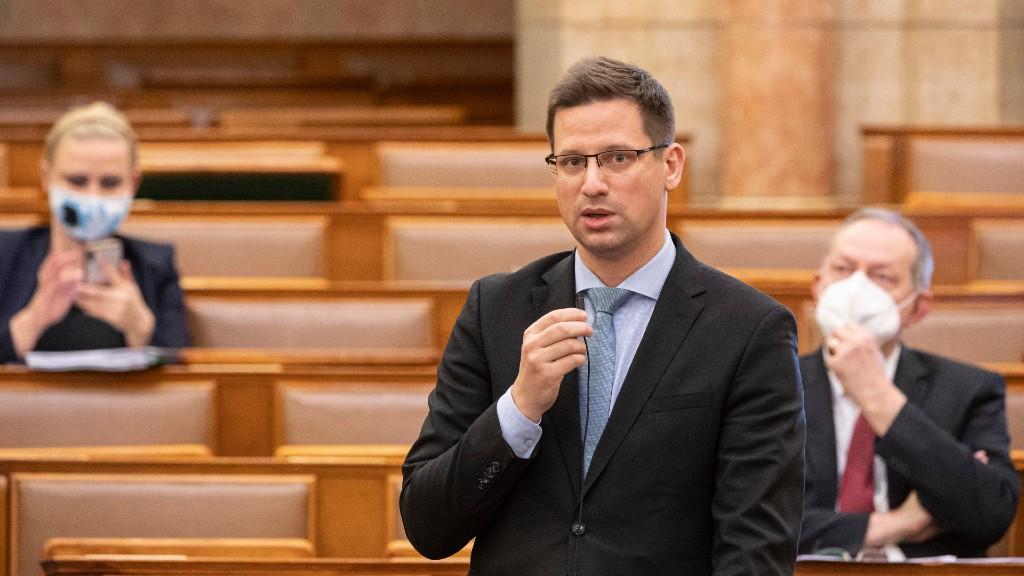 Gulyás Gergely a Parlamentben (fotó: MTI/Szigetváry Zsolt)