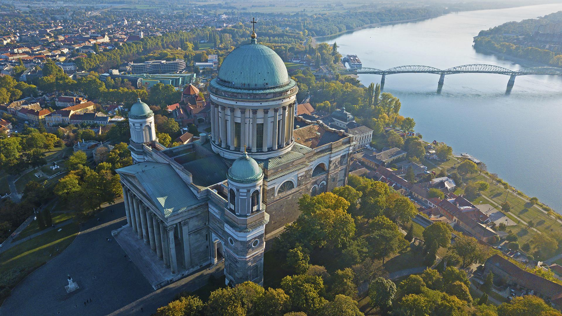 176 éves időkapszulát rejtett az Esztergomi Bazilika keresztje
