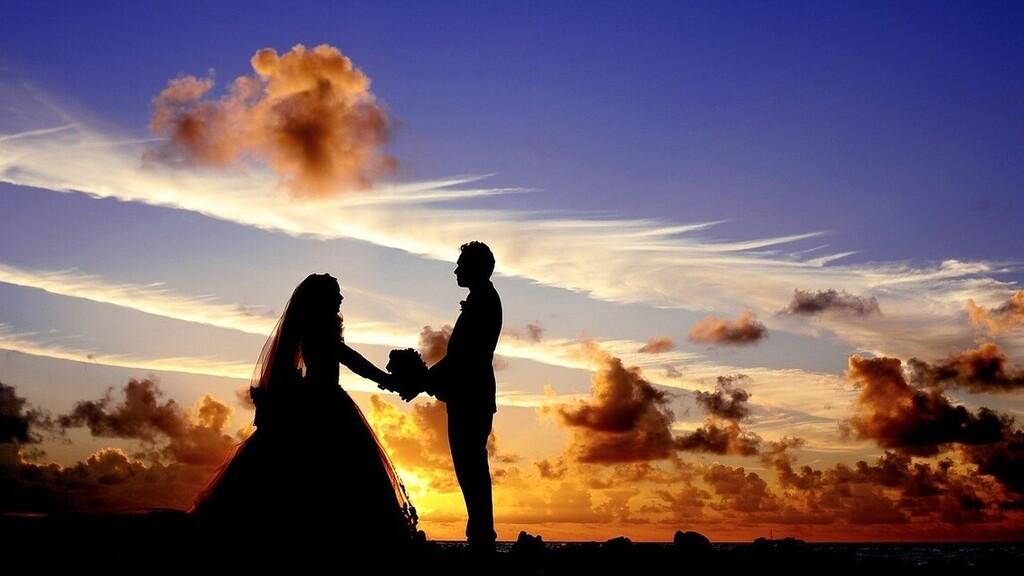 Társkeresőről szerzett magának esküvői tanukat a menyasszony és a vőlegény