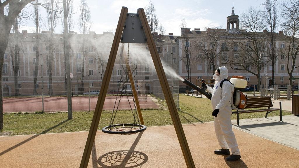 Nem sok értelme volt az iskolafertőtlenítéseknek, a koronavírus inkább a levegőben terjed