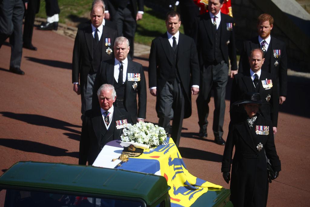 Fülöp herceg unokái és gyermekei a gyászmenetben