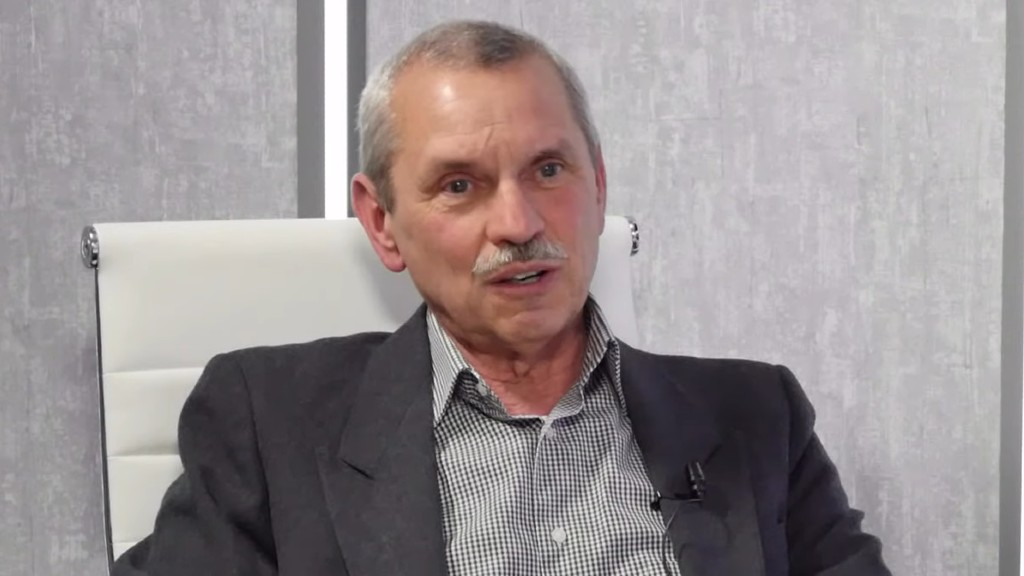Rusvai Miklós a védettségi igazolvánnyal járó plusz jogokról