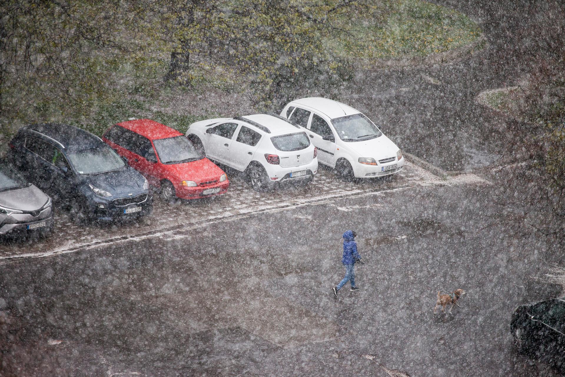 Hóvihar áprilisban
