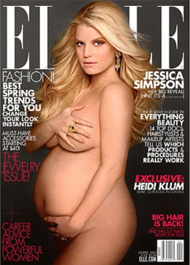 Jessica Simpson várandósan és meztelenül a címlapon
