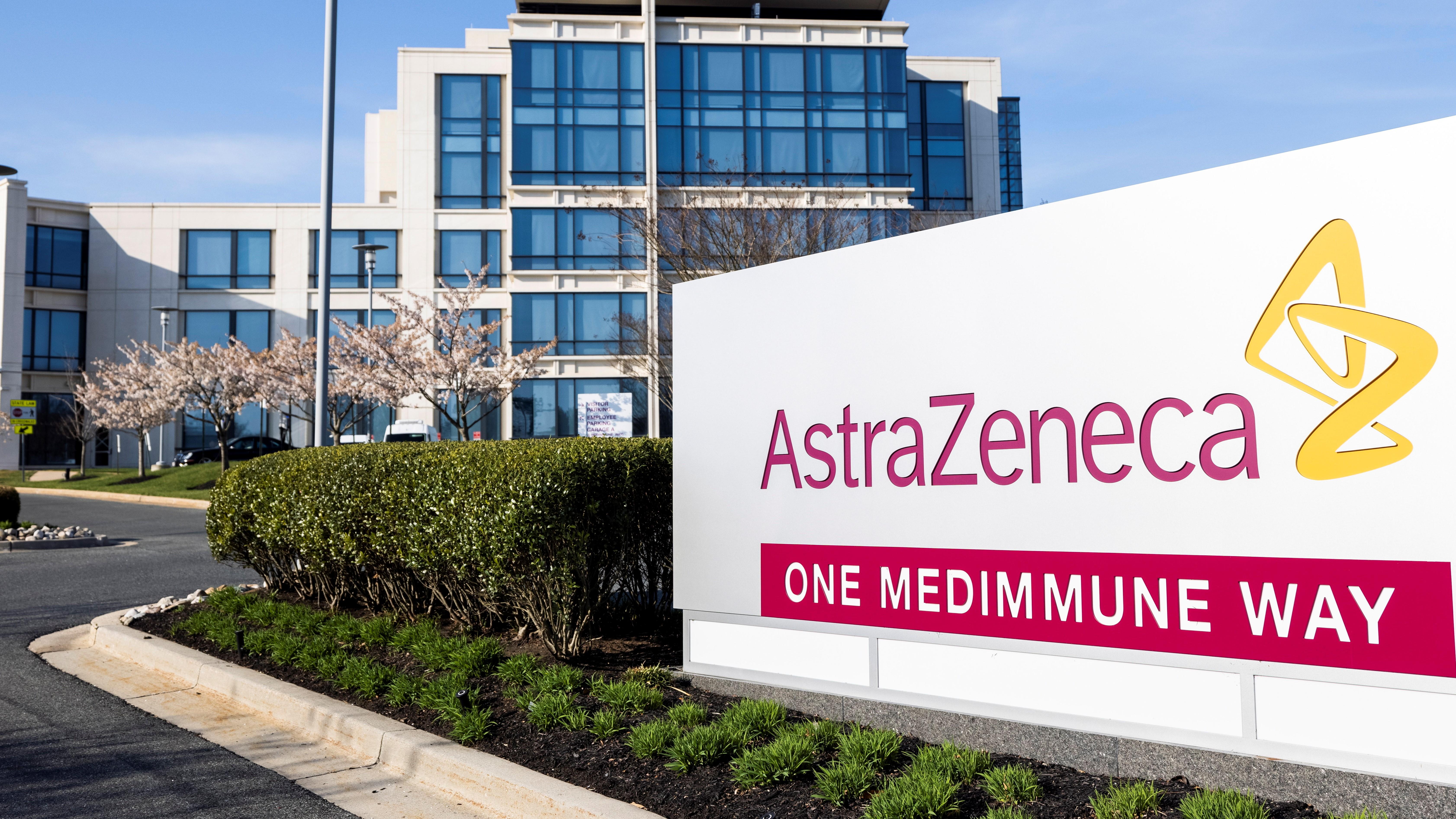 Az AstraZeneca svéd-brit gyógyszergyártó cég egyik központja a Maryland állambeli Gaithersburgben 2021. április 5-én. (