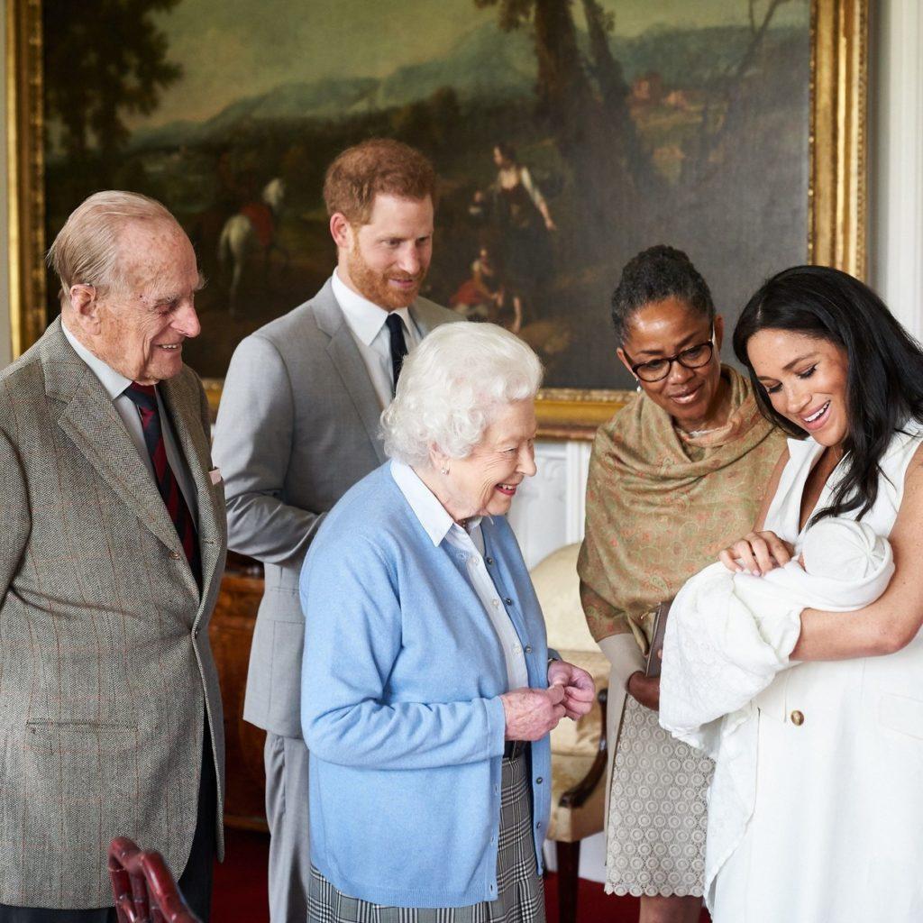 Harry herceg, Meghan MArkle, Archie, Fülöp herceg és Erzsébet királynő 2019-ben