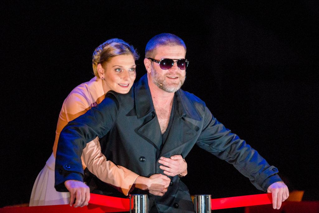 Rezes Judit és Szabó Győző a közös darabjuk egyik előadásán