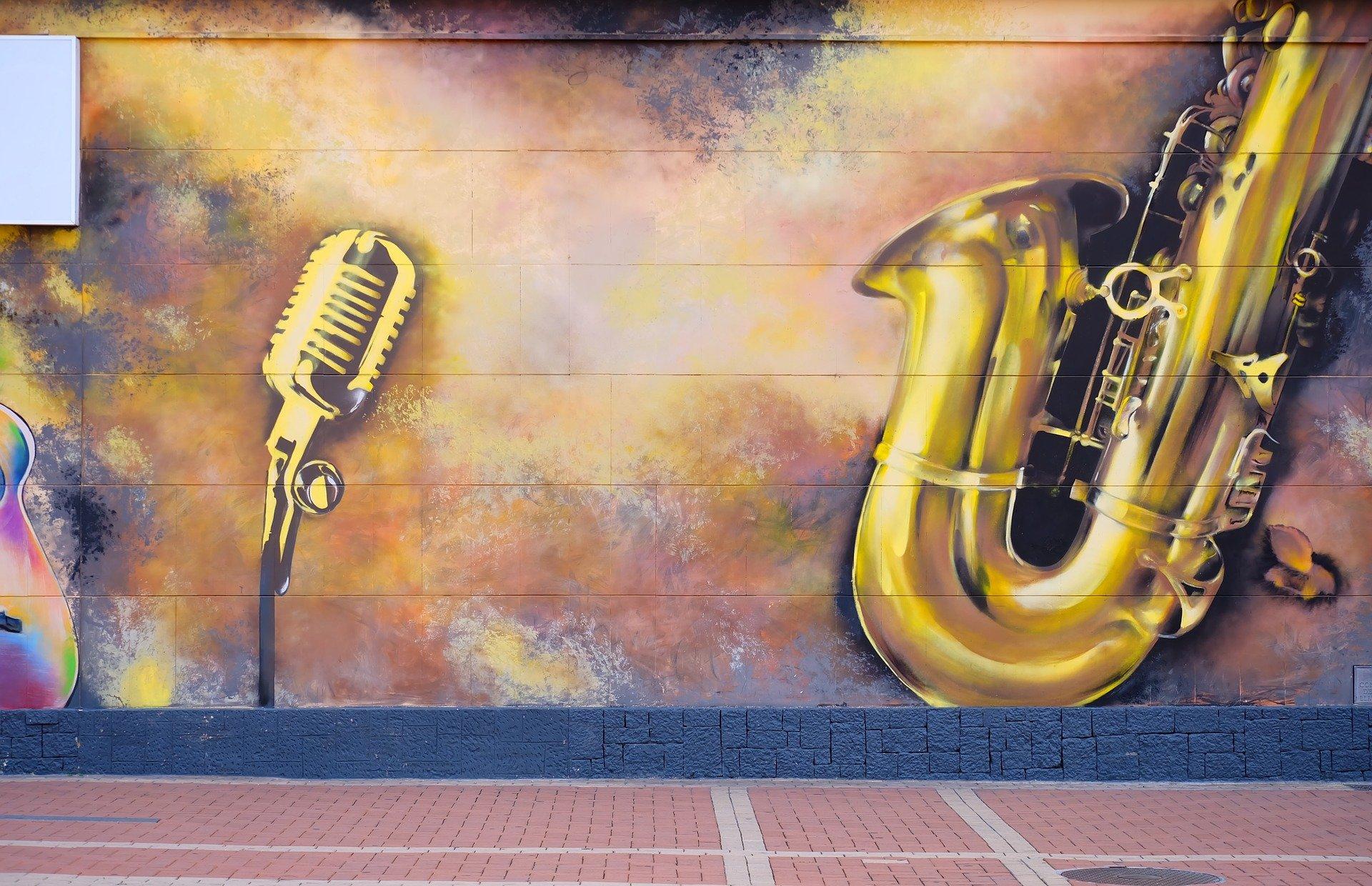 szaxofon graffiti
