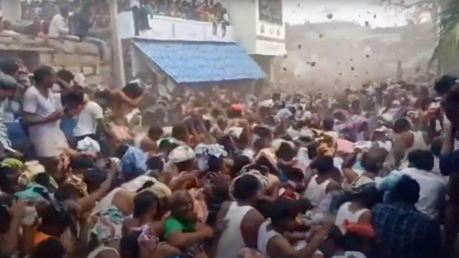 Tehénlepény-dobálás Indiában