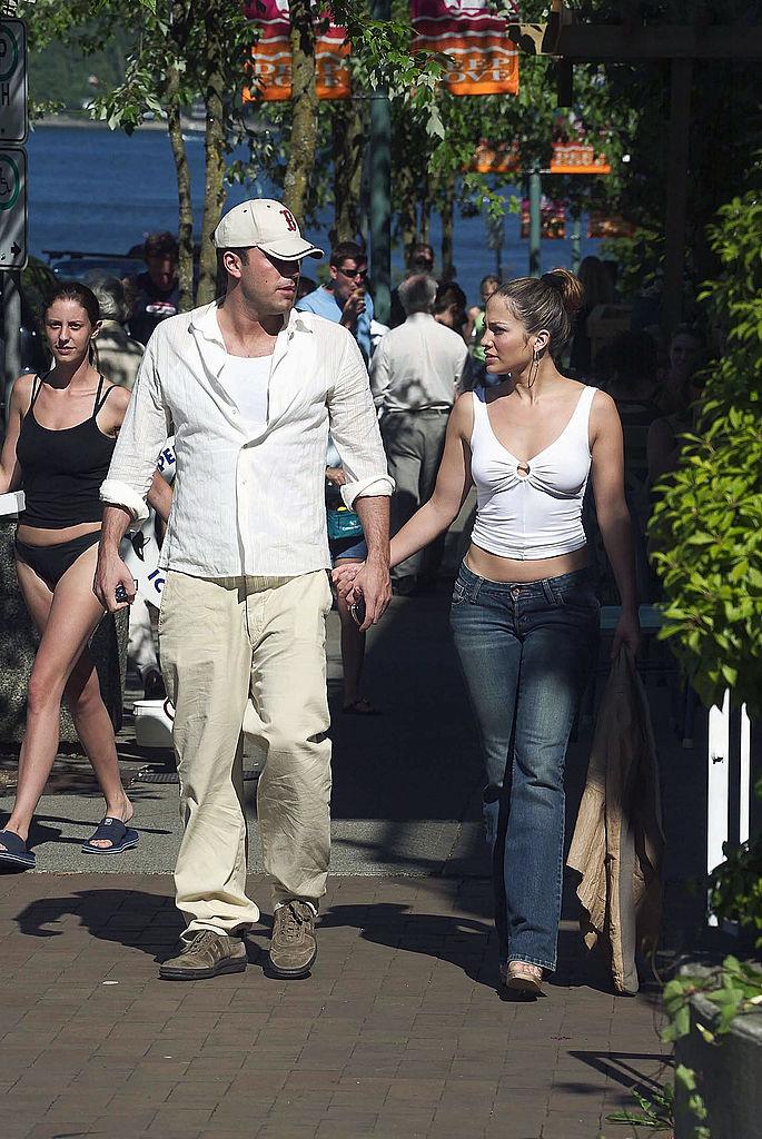 Jennifer Lopez és Ben Affleck a kanadai nyaralásukon 2003-ban