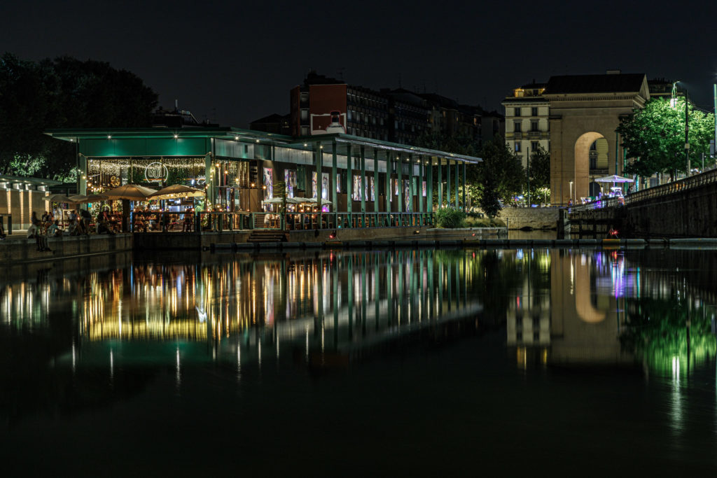 Milánó Navigli, Darsena éjszaka