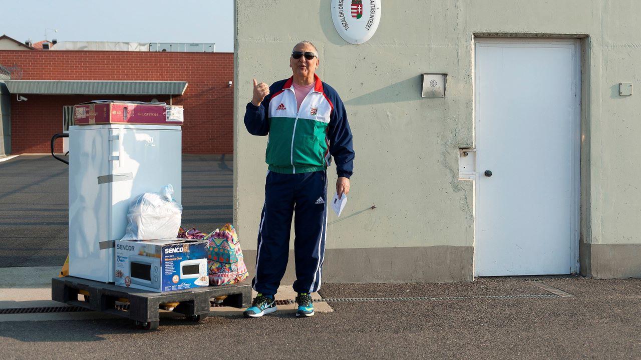 Tasnádi Péter, nyugdíj, szociális segély