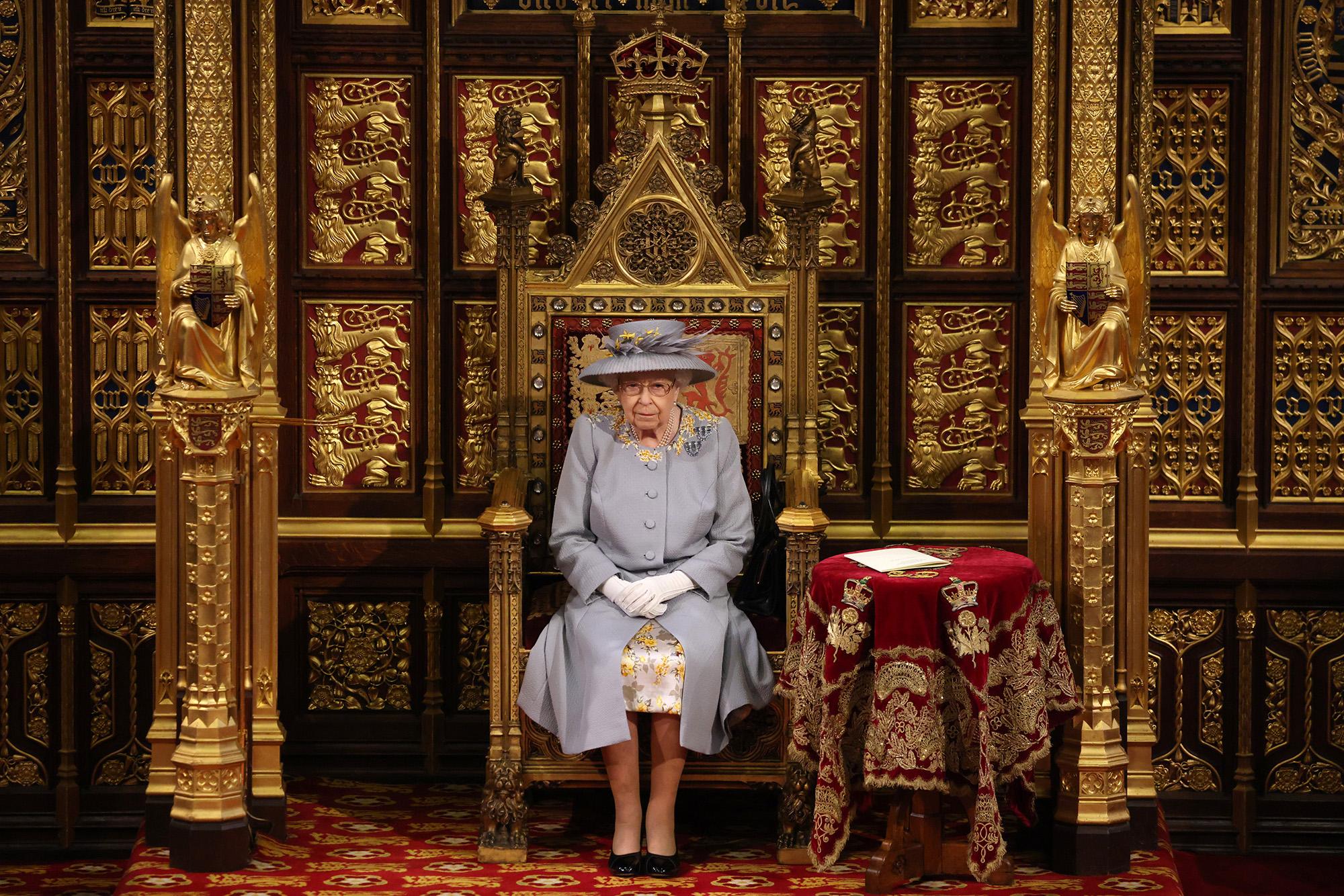 II. Erzsébet a parlament nyitónapján