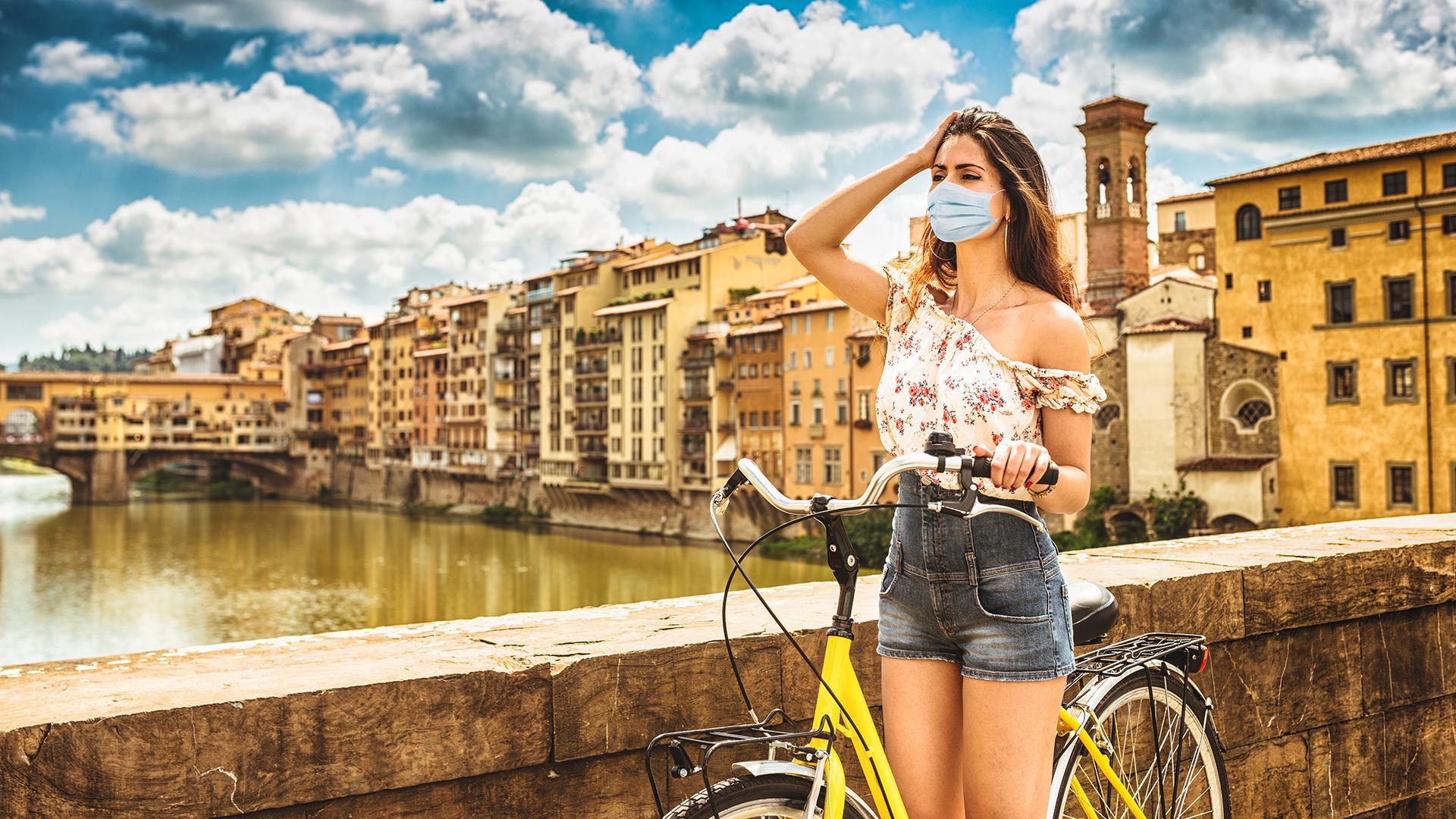Olaszországban enyhítenének, de közben akadozik az oltás