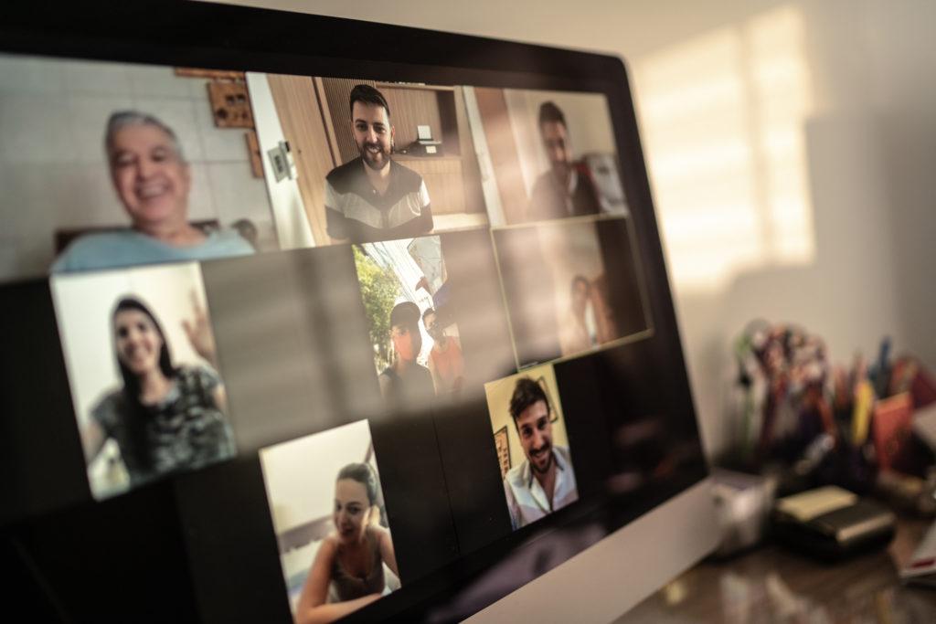 Rossz hatással vannak az agyunkra az online meetingek