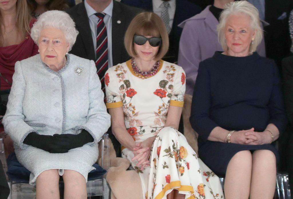 II. Erzsébet, Anna Wintour és Angela Kelly