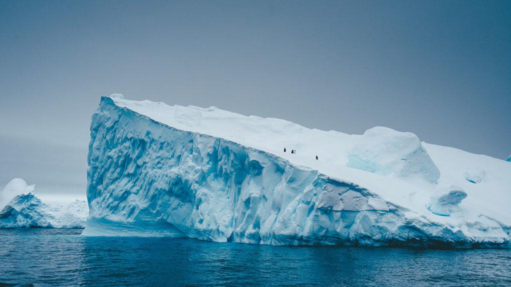 A világ legnagyobb jéghegye szakadt le az Antarktiszról