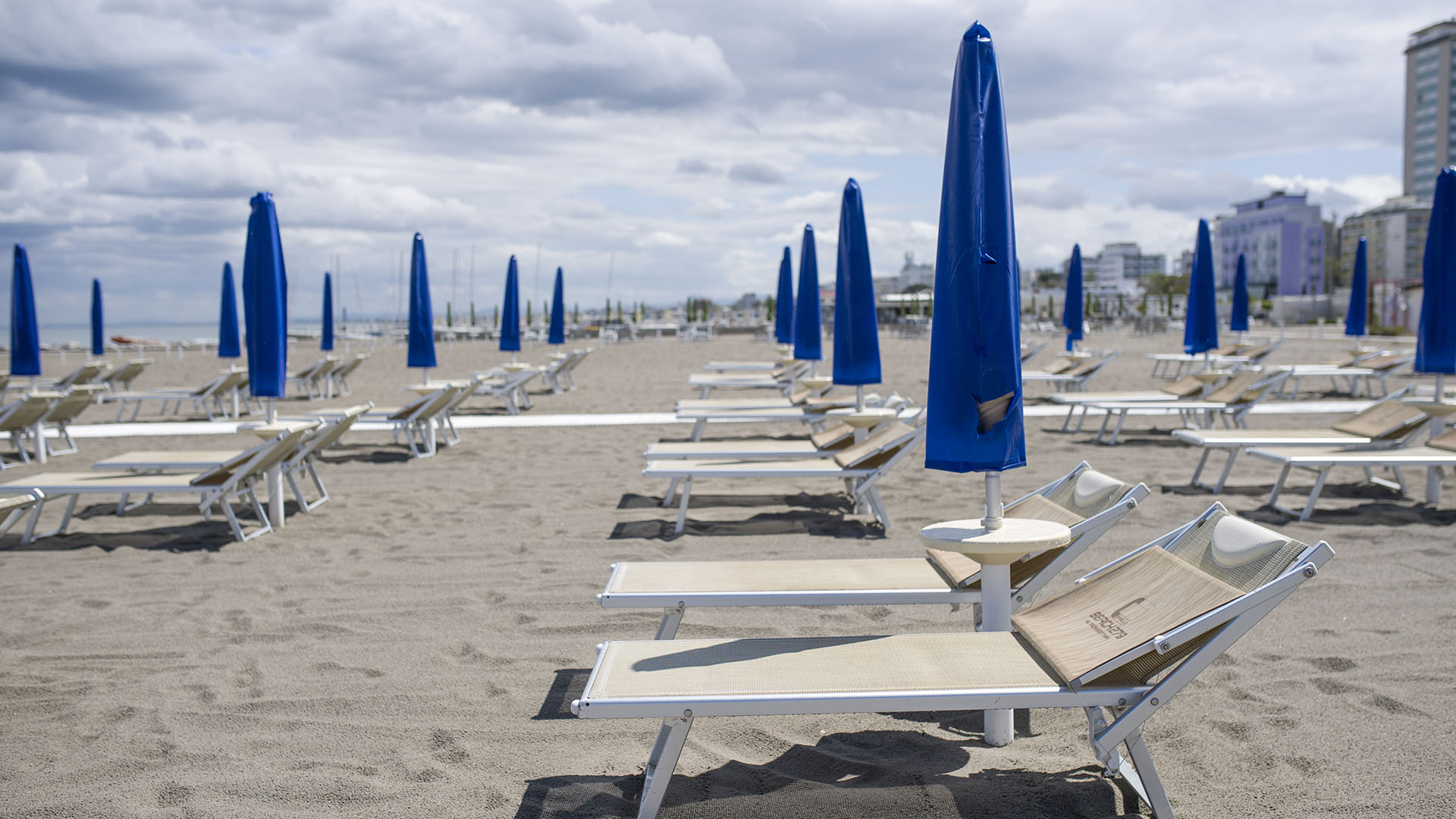 Olaszország rövidesen eltörli a kijárási tilalmat