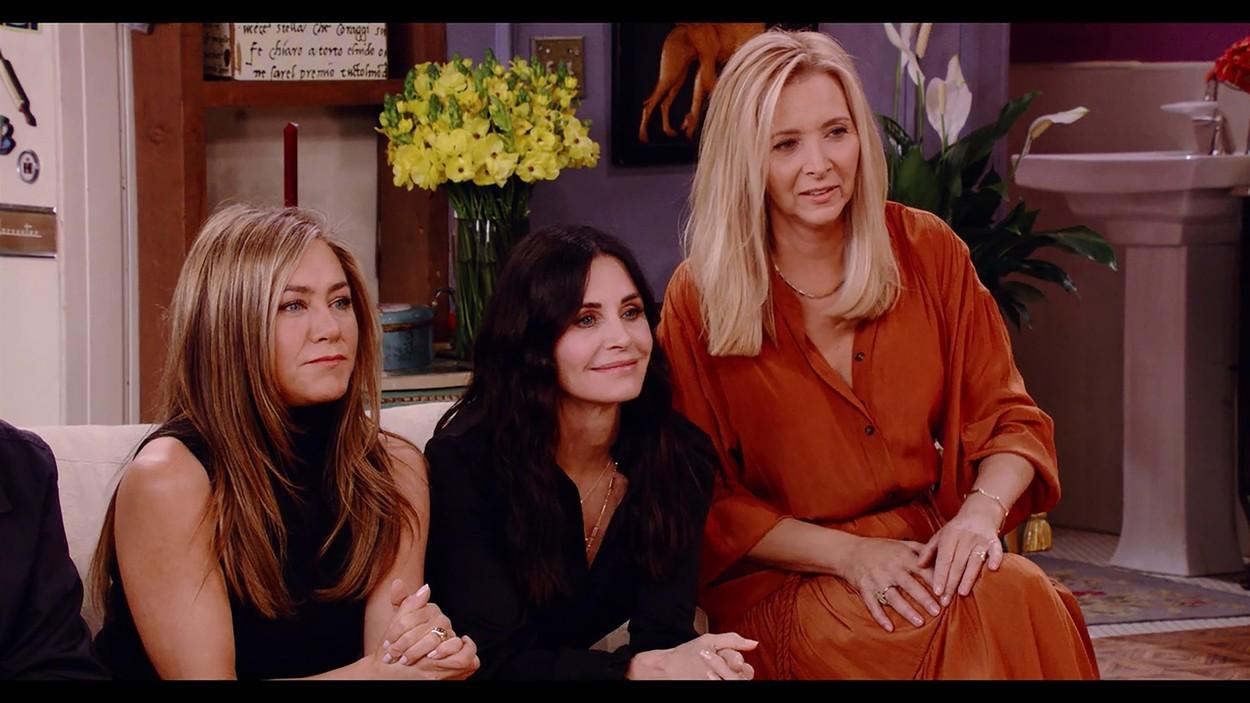 Jennifer Aniston, Courteney Cox, Lisa Kudrow a Jóbarátok 2021es visszatérésén