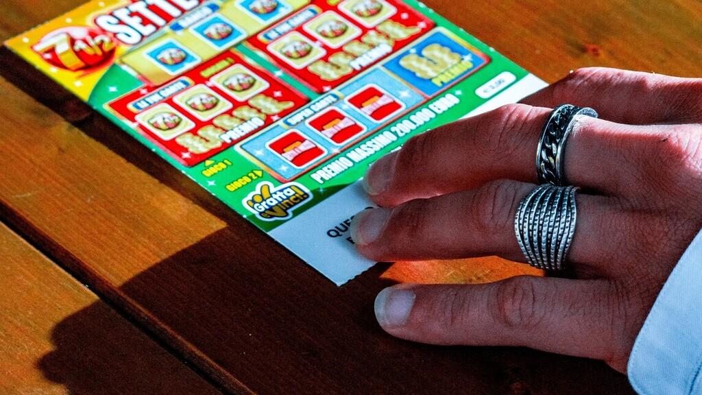 Majdnem a szemétben végezte a nyertes lottószelvény
