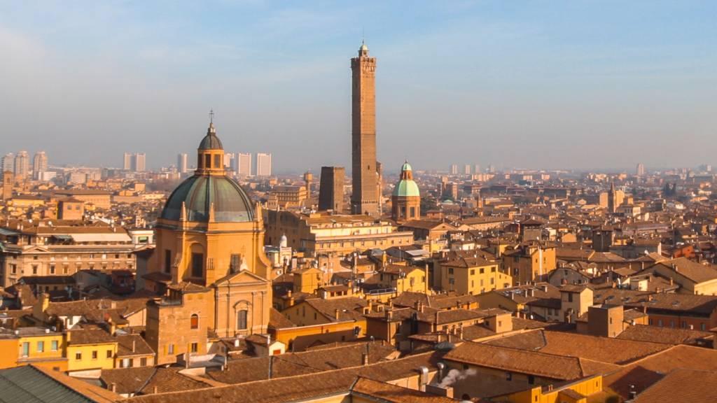 Főzőkurzus, vásárlás és csodás kilátás – Egy igazán csajos kiruccanás Bolognába
