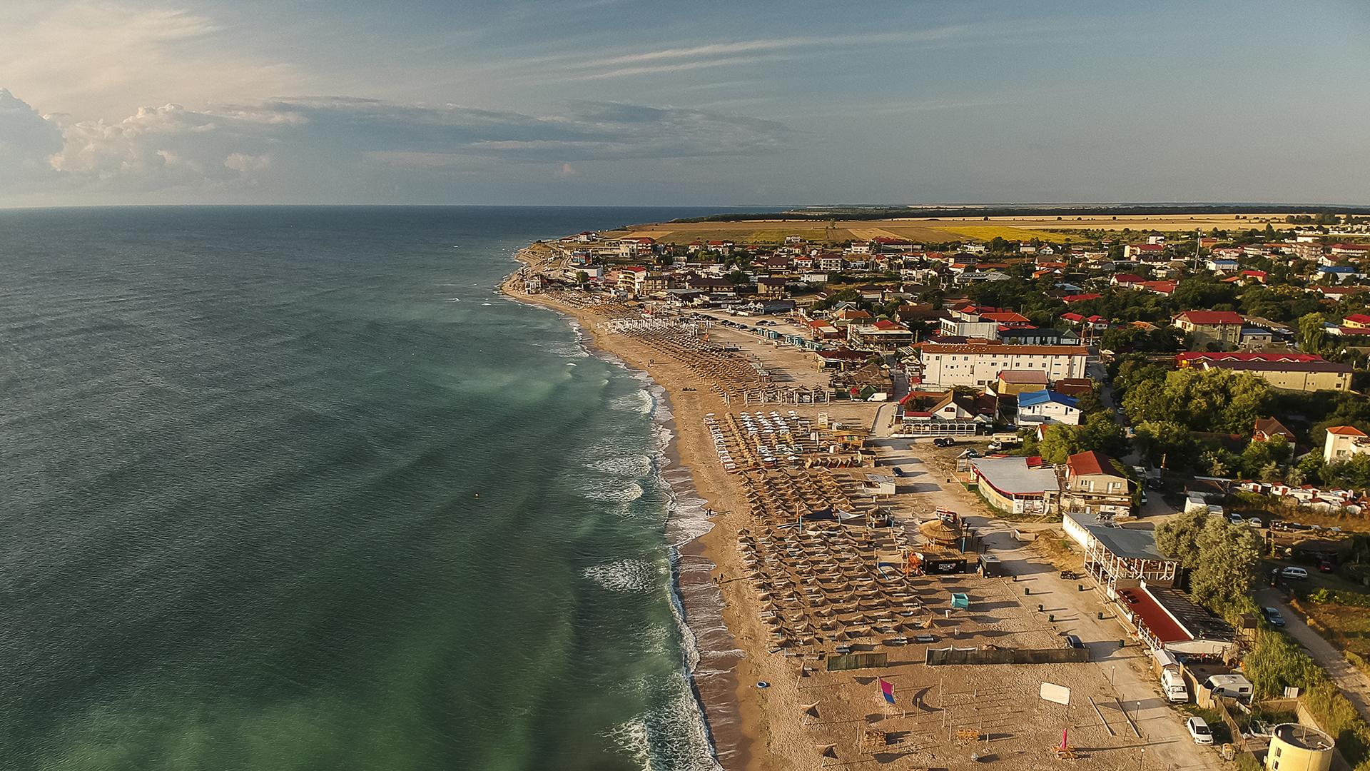 Júniustól nem kell majd maszk a román tengerparti strandokra