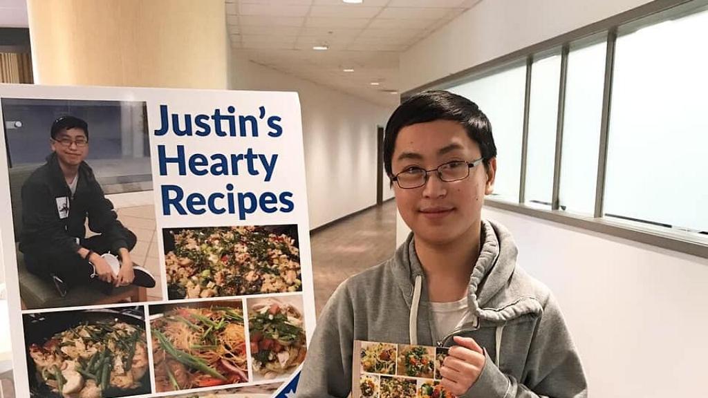 Szívültetés után szakácskönyvet adott ki a tinédzser