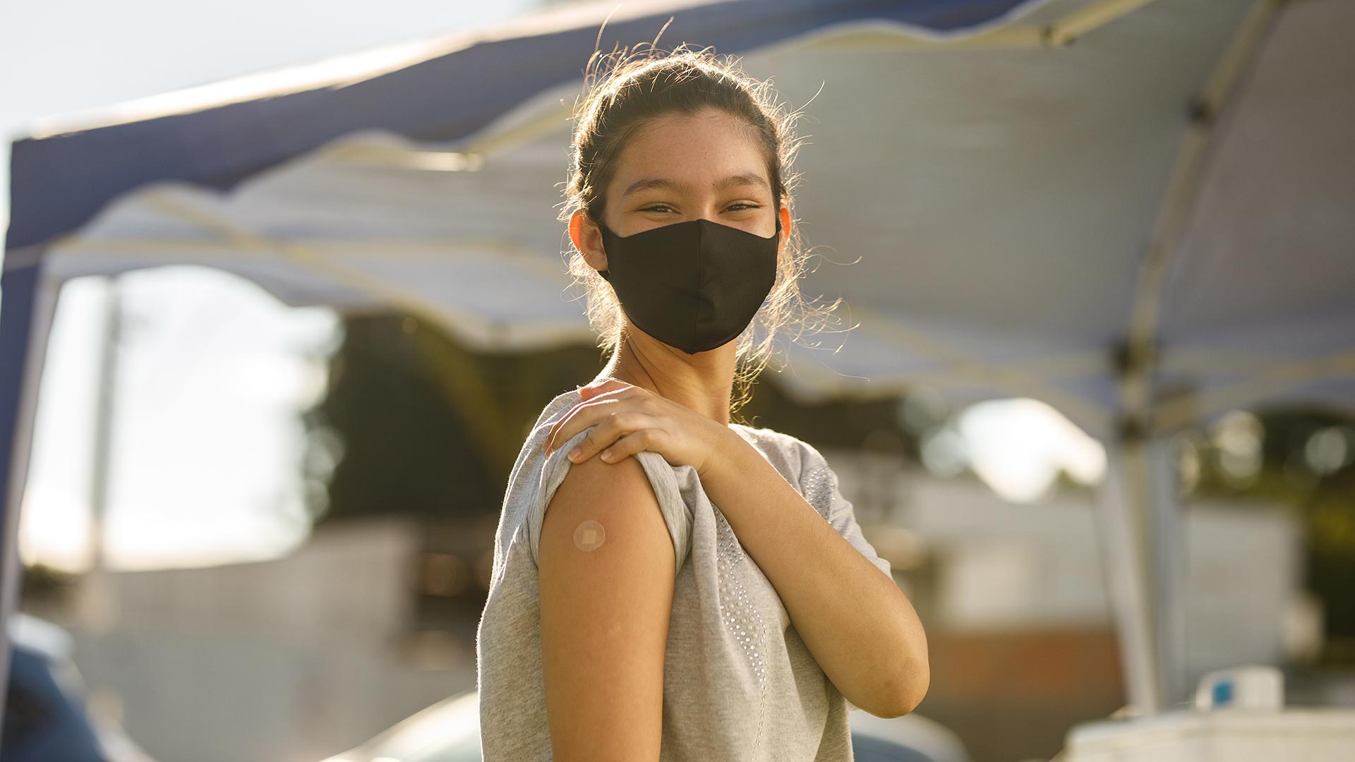 Már az amerikai 12-15 évesek is kaphatnak Pfizer vakcinát