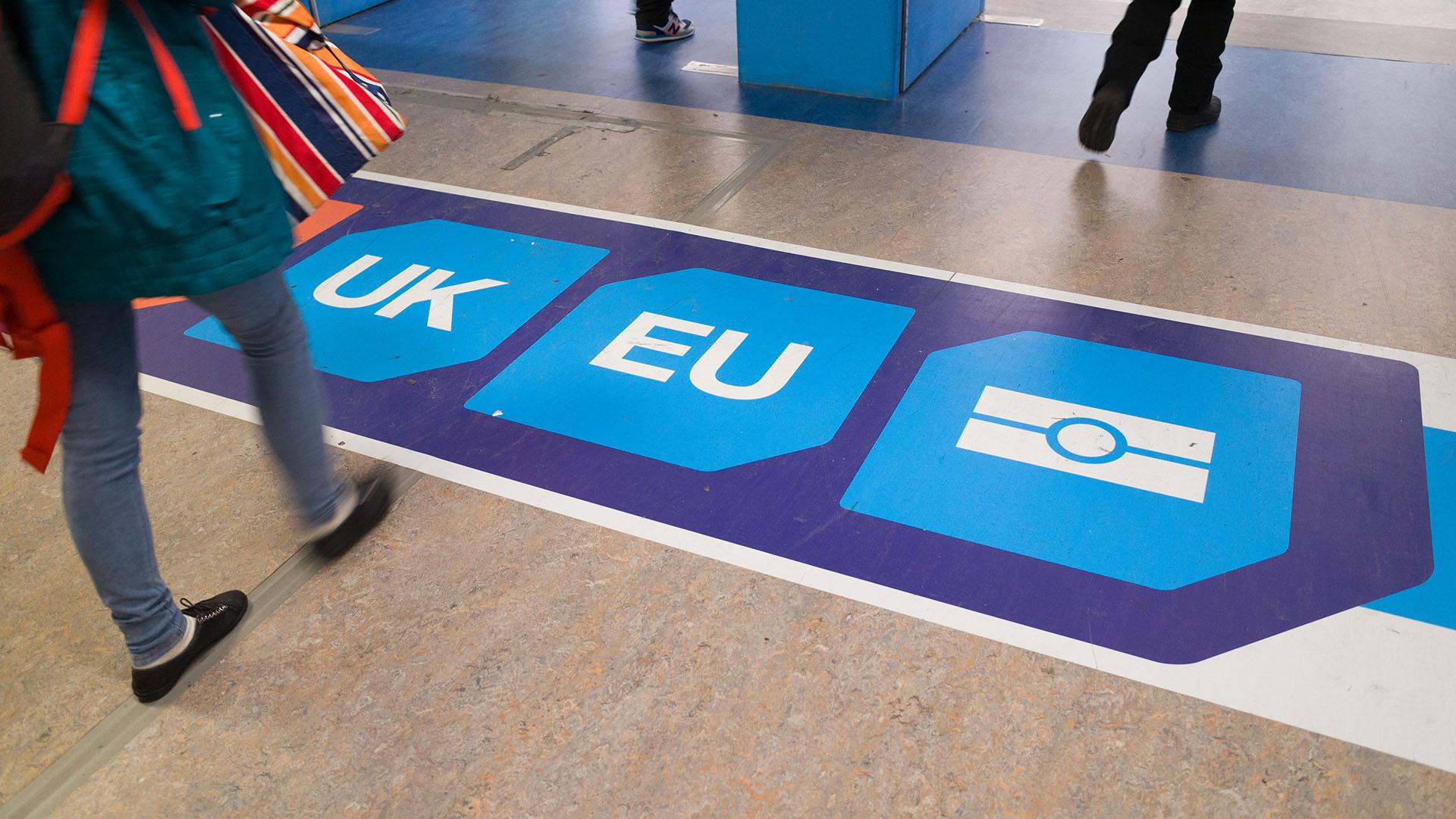 Októbertől nem utazhatunk személyivel Nagy-Britanniába