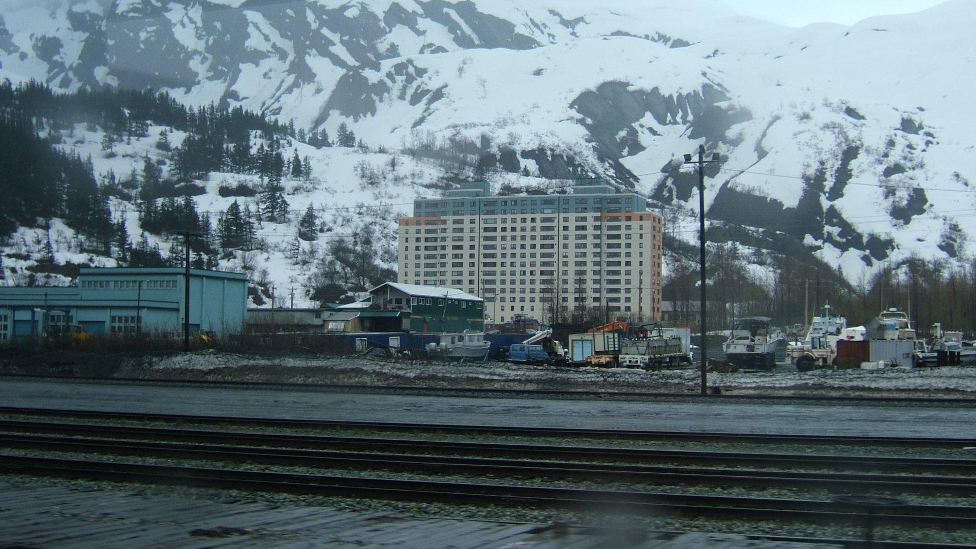 A Begich torony az alaszkai Whittierben