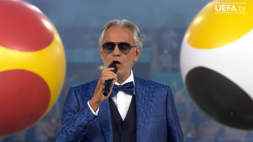 Így énekelte a Nessun Dormát Andrea Bocelli az EB nyitányaként