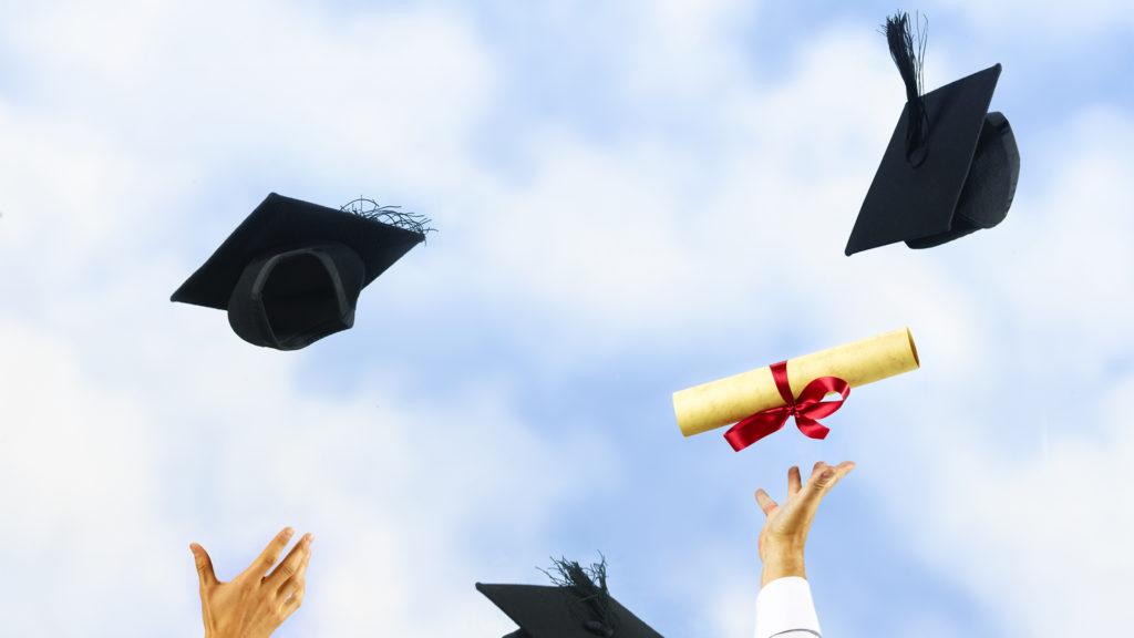 Nem kell nyelvvizsga idén a diploma átvételéhez