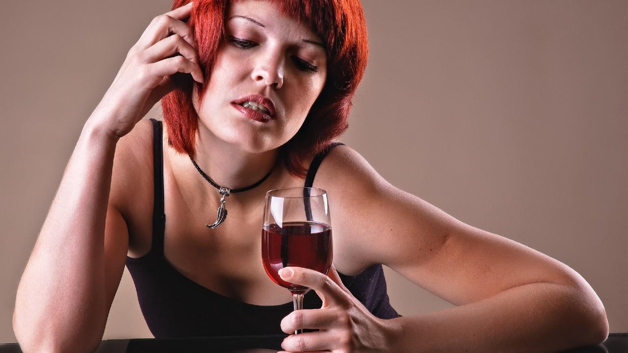 A WHO nem javasolja az alkoholfogyasztást a fogamzóképes korban lévő nőknek (fotó: Pixabay)