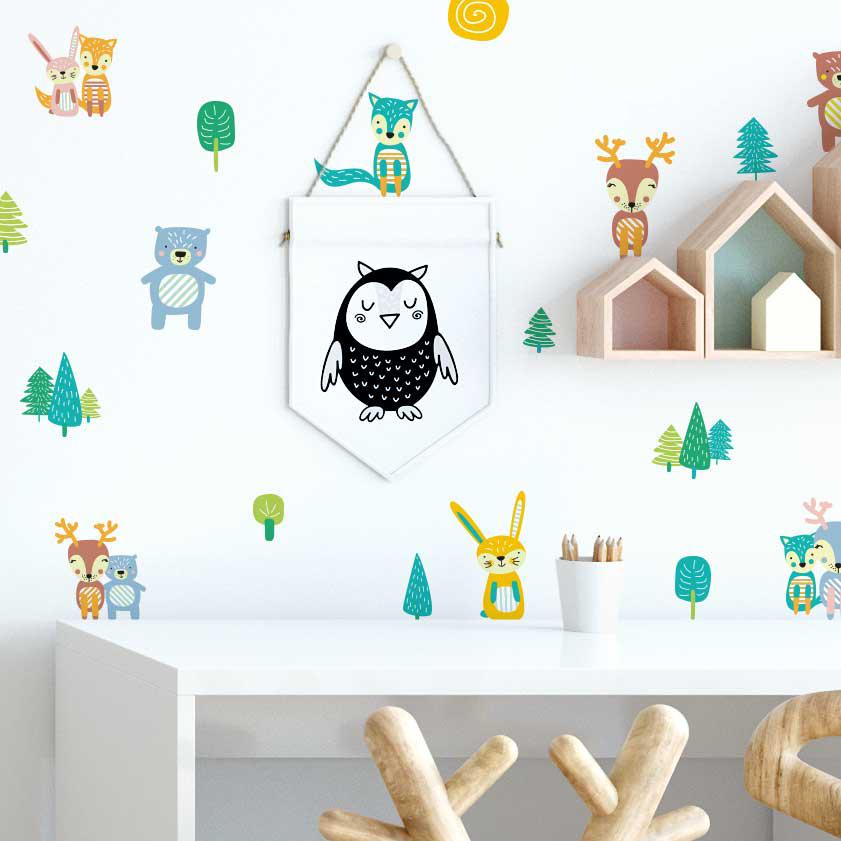 Erdei állatok a falon