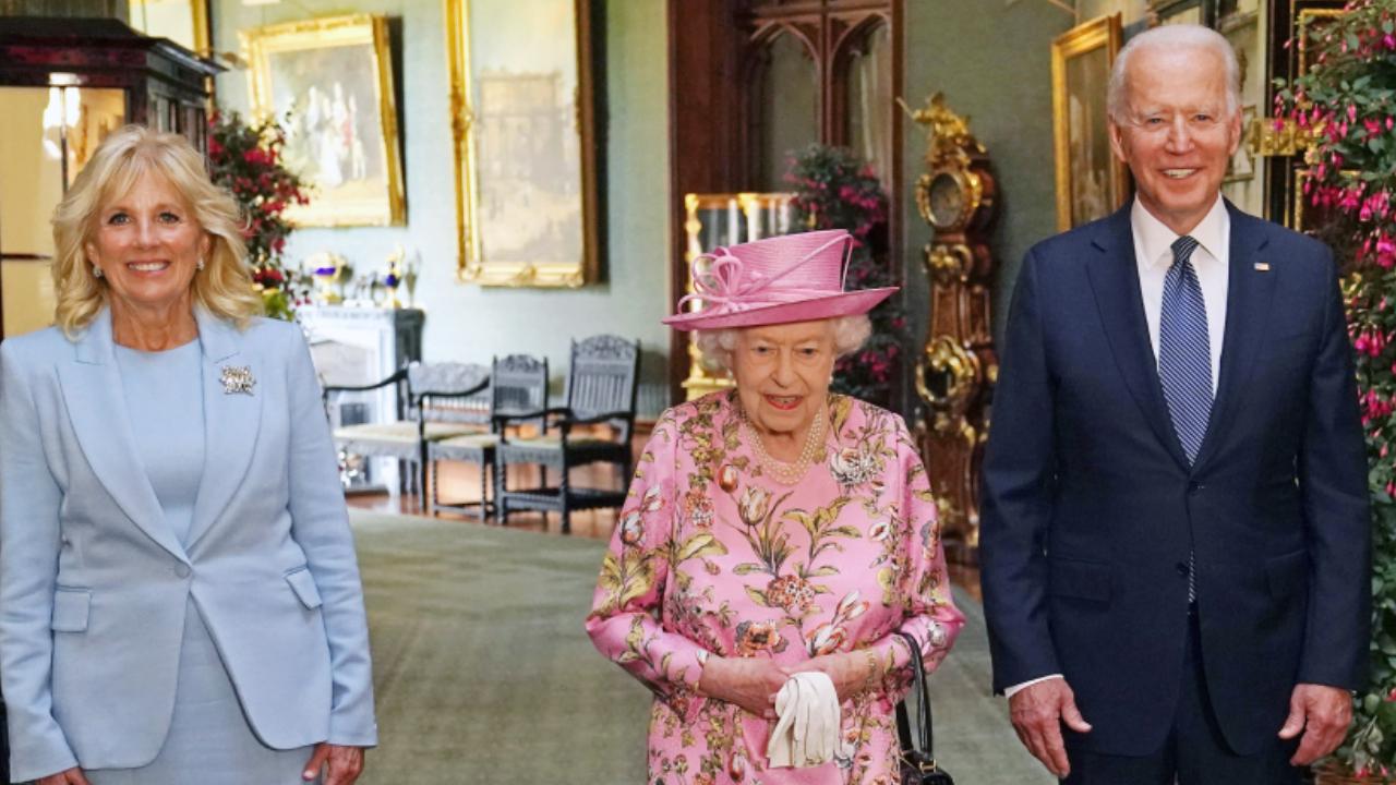 Jill és Joe Biden ellátogatott II. Erzsébet királynő windsori kastélyába teázni