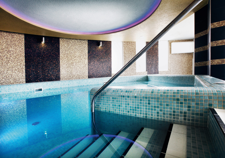 Hotel Európa Fit**** - benti élménymedencék