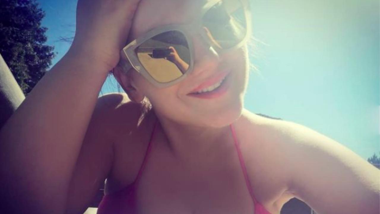 Fásy Zsüliett bikiniben