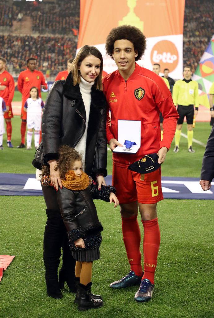 Axel Witsel és felesége, Rafaella Szabo a lányukkal 2018-ban
