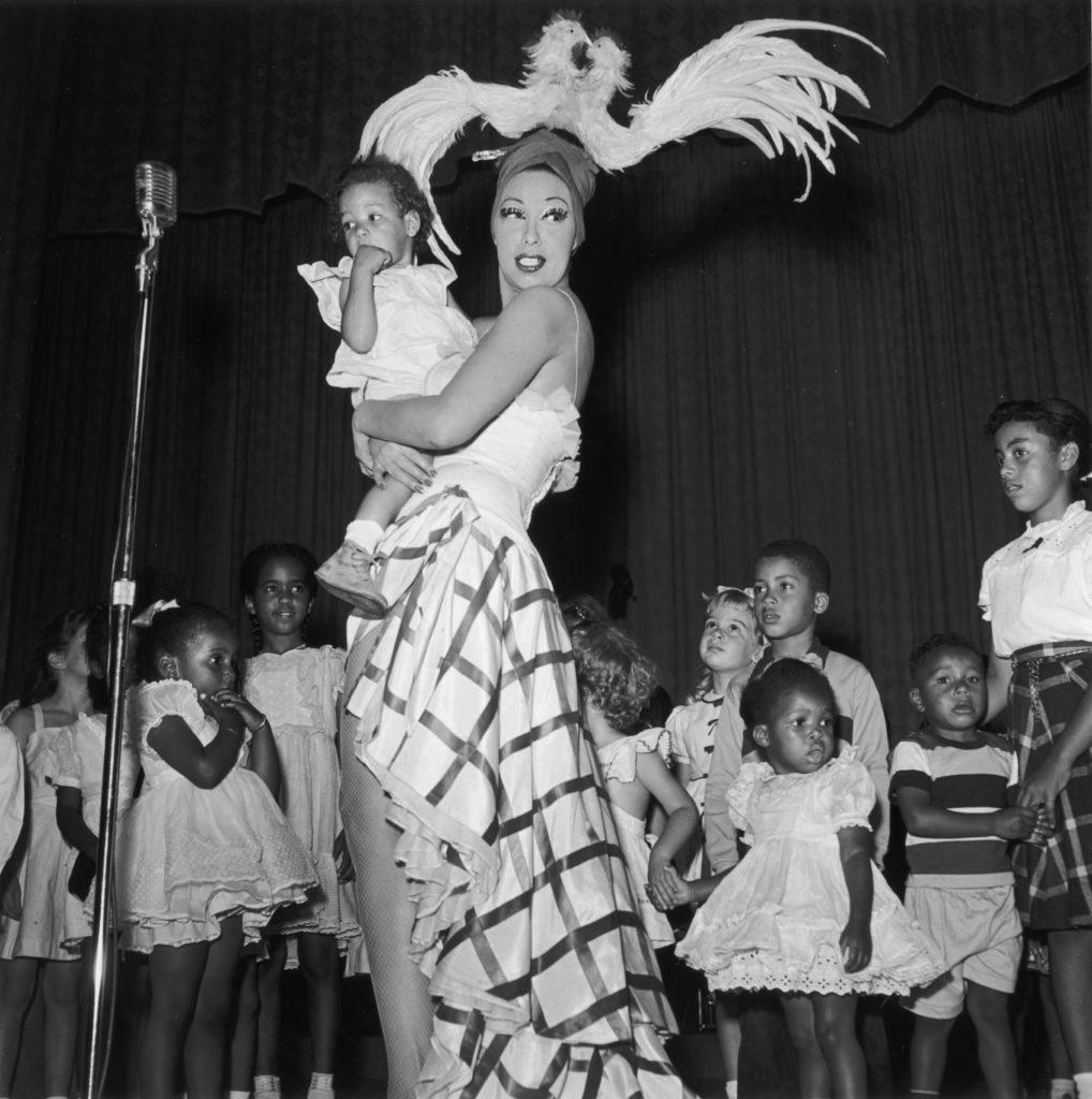 Josephine Baker egyik 1951-es amerikai fellépésén. (Fotó: Hulton Archive/Getty Images)